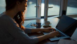 worker filling out OnlineJobsPlus Freelancer Directory form